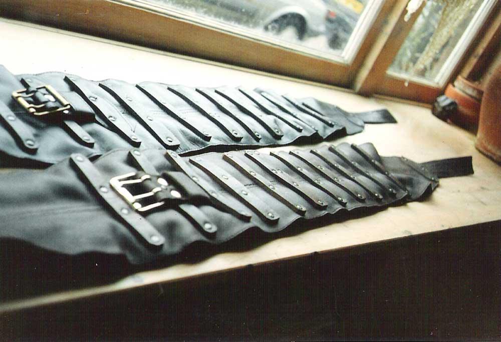 A Niergordels met beslag bruin en zwart   Leeratelier Annelies