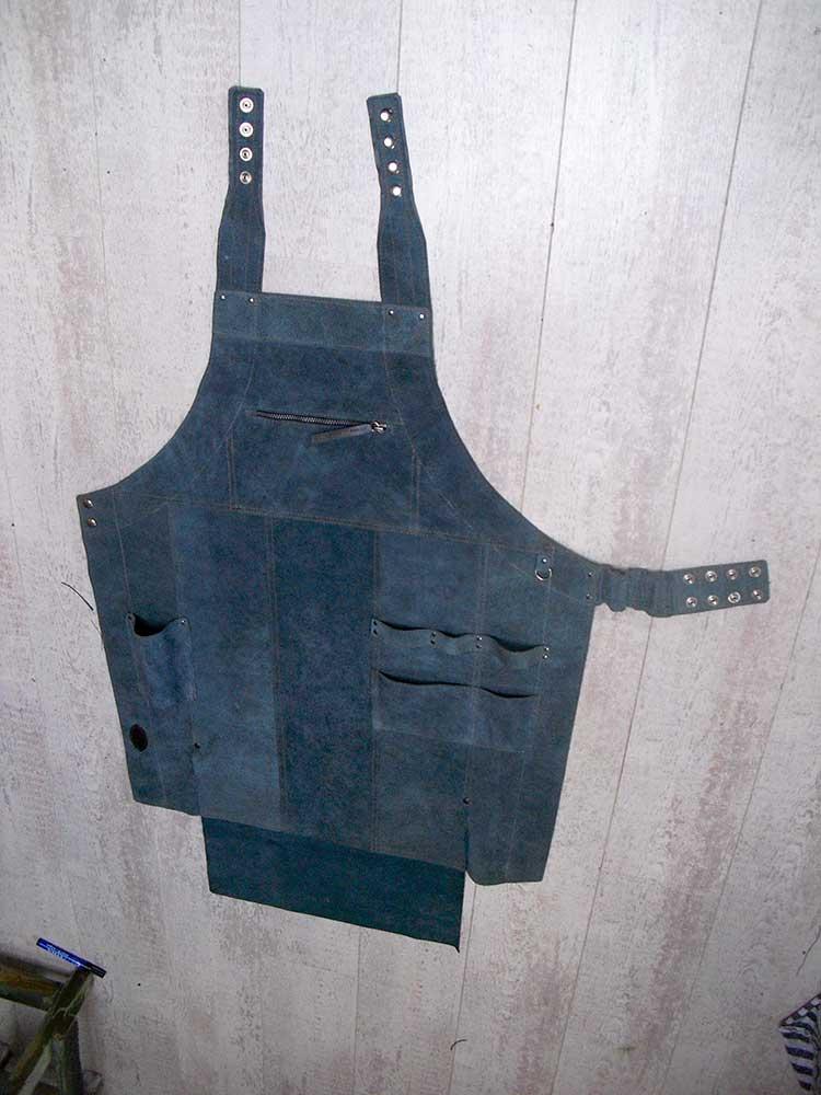 b30904e8f99 Werkschort van gerecycled leer - Leeratelier Annelies